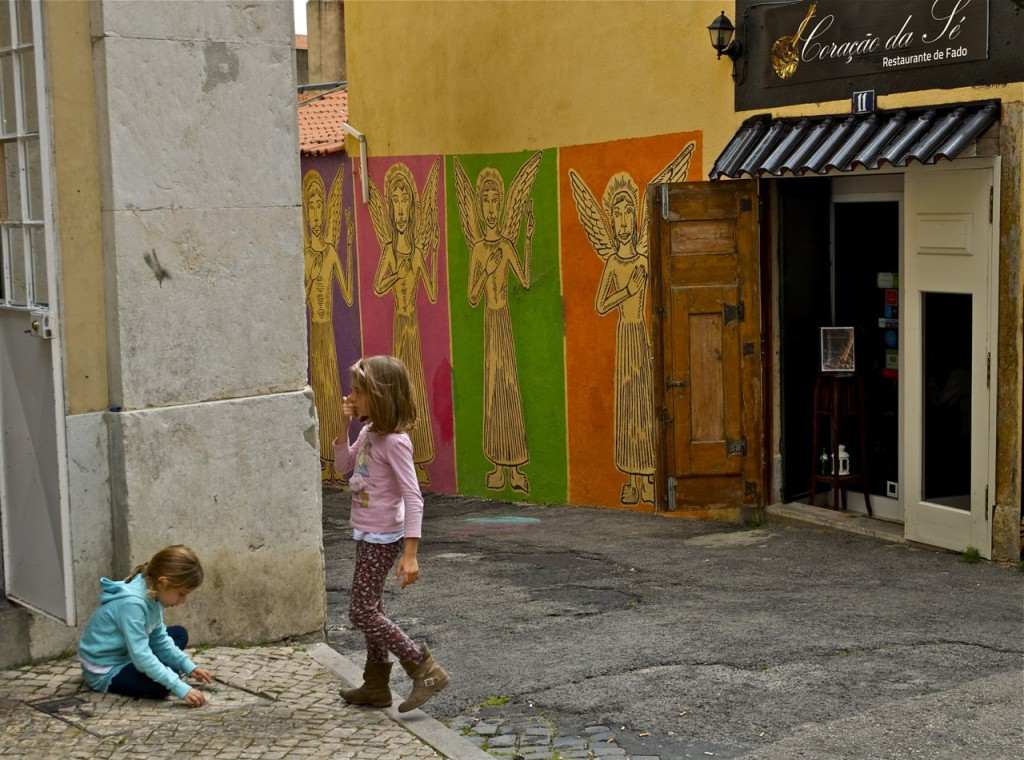 girls in angel alley