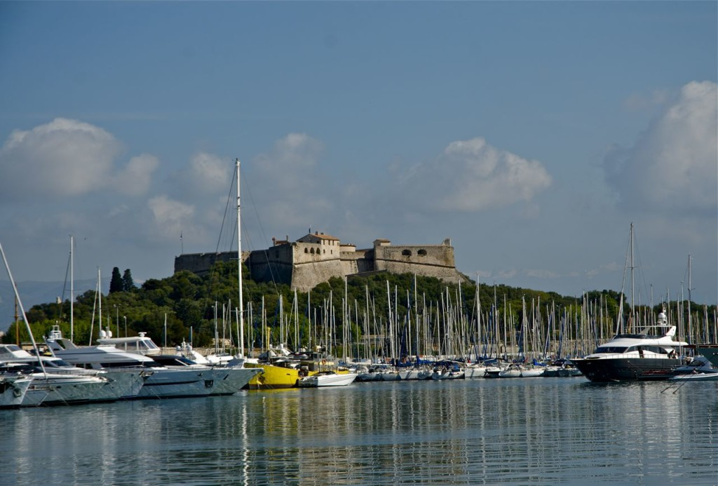 PORT IN CANNES